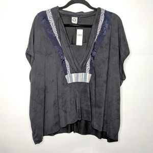 NEW Akemi and Kin Art Deco Swing Top Small